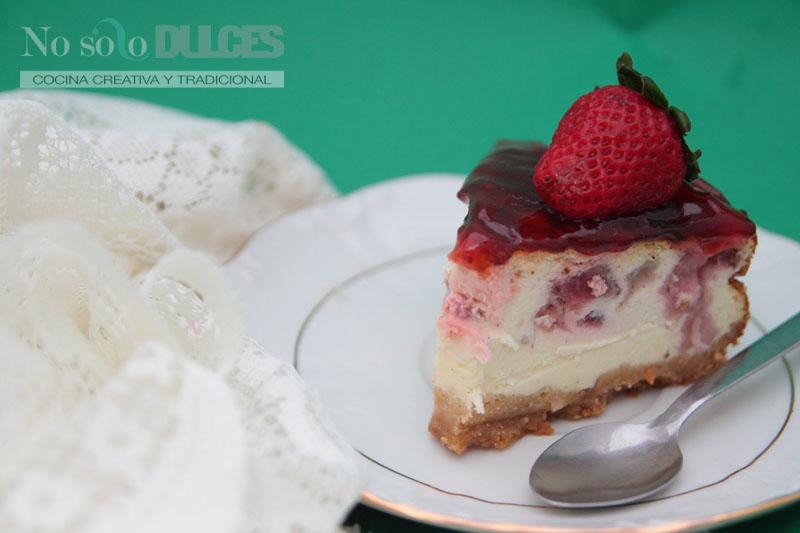 No solo dulces – Tarta de queso y fresas experimental