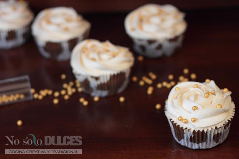 No solo dulces – Cupcakes chocolate dulce de leche y avellanas
