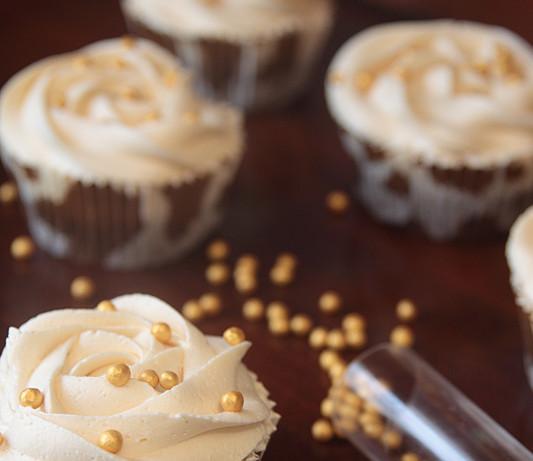 Cupcakes de chocolate, dulce de leche, nutella y avellana