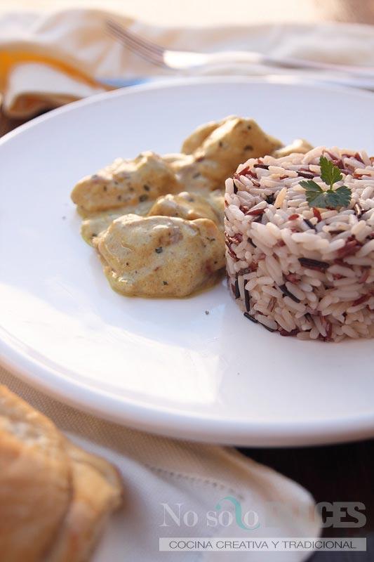 No solo dulces – Pollo al curry con arroz salvaje