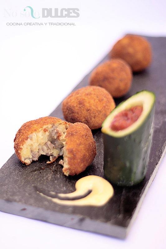 No solo dulces – Tapa bombas patata carne picada