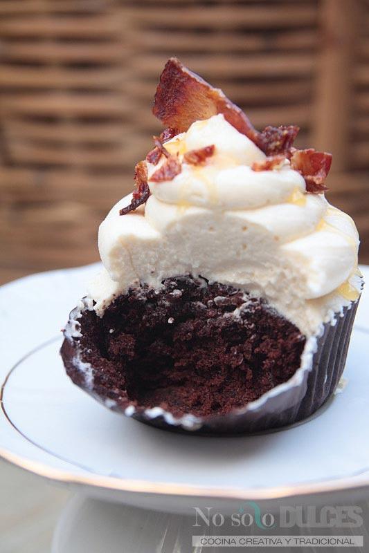 No solo dulces - cupcakes chocolate bacon buttercream de miel