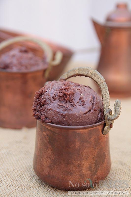 No solo dulces gelato cioccolato e disaronno Helado de chocolate y amaretto