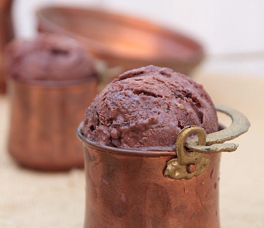 Gelato al cioccolato e Disaronno (Helado de chocolate y bizcocho de amaretto)