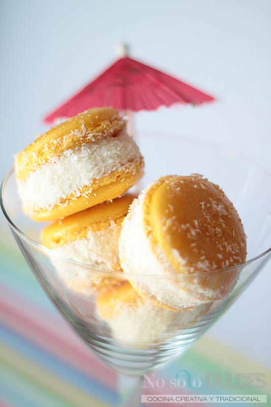 Macarons veraniegos y tropicales (Piña colada y mango-maracuyá)