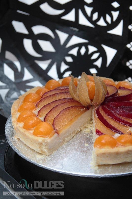 No solo dulces – Tarta physalis (alquequenjes), ciruelas y crema pastelera