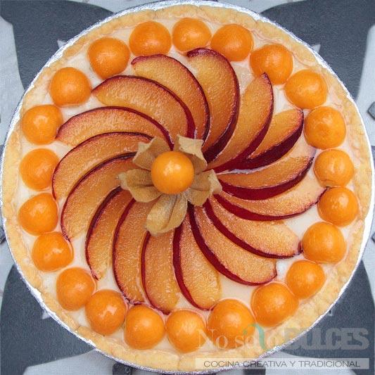 No solo dulces - Tarta physalis (alquequenjes), ciruelas y crema pastelera