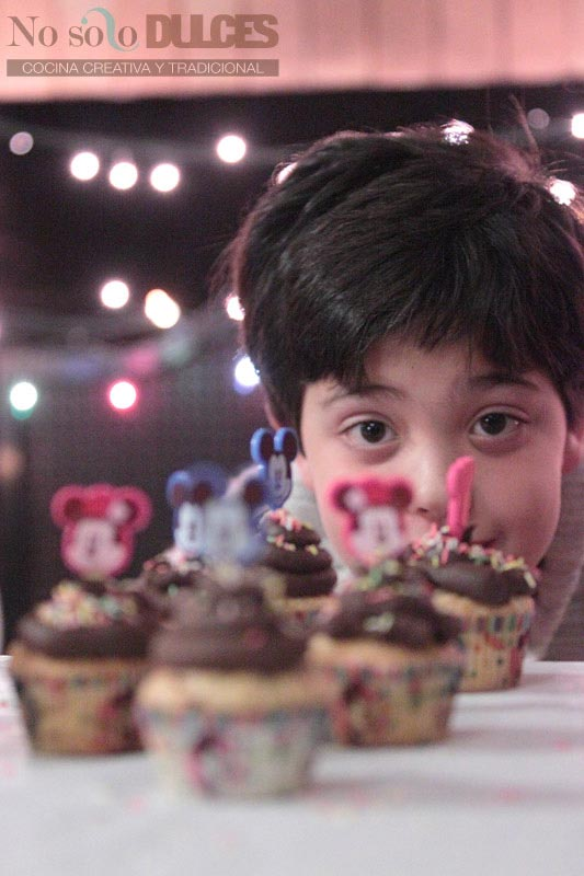 No solo dulces – Cocina dulce con niños – Cupcakes de vainilla y chocolate