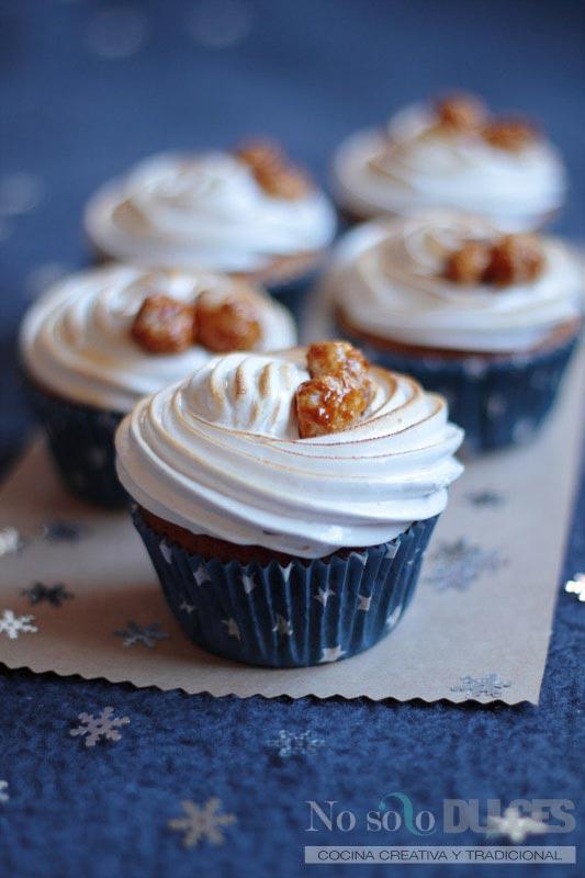 No solo dulces - Cupcakes de nueces de macadamia garrapiñadas y merengue