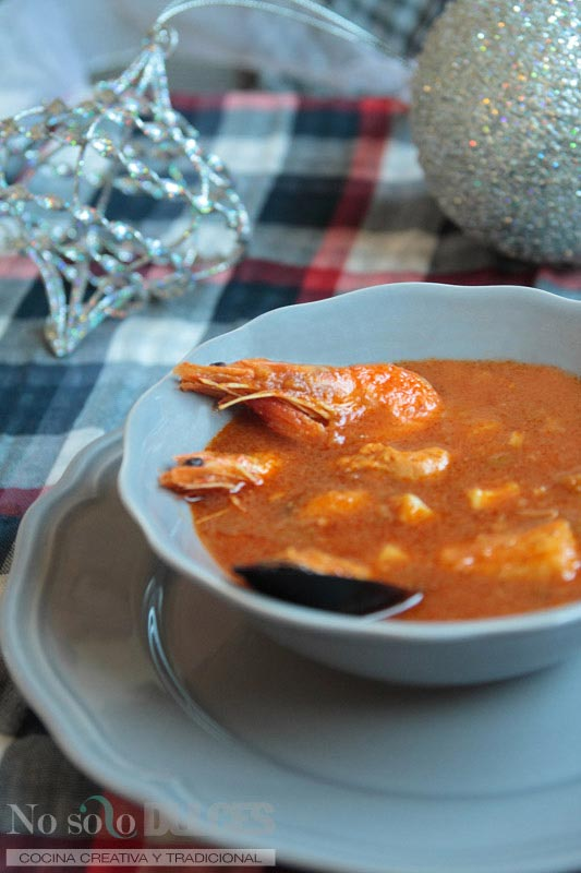No solo dulces - Sopa de tomate y marisco para nochevieja