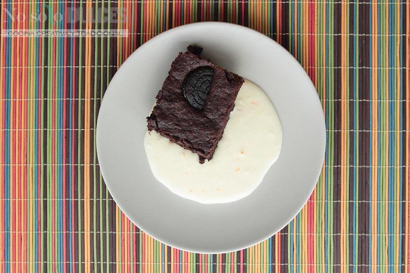 No solo dulces – Brownie super chocolateado con galletas Oreo