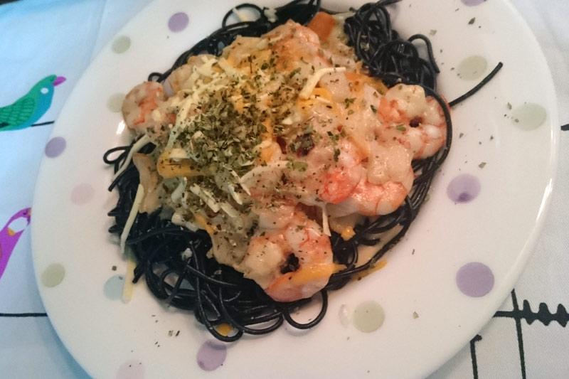 Spaghetti al Nero di Sepia con gambas