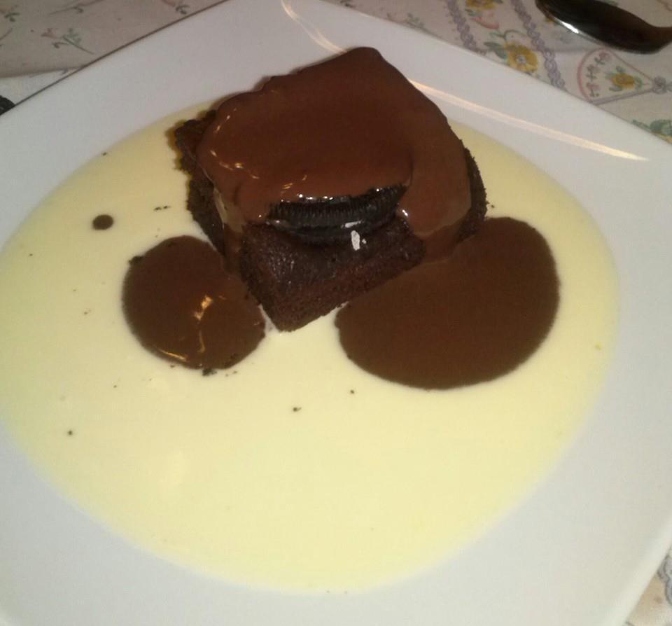 Brownies super chocolate con galletas Oreo