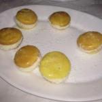 Macarons de piña colada