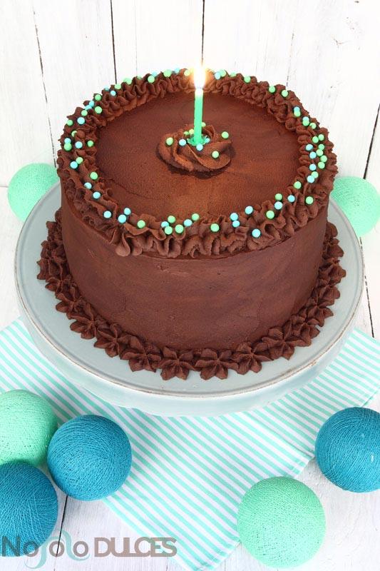 No solo dulces - Tarta de cumpleaños de chocolate, nueces y platano asado