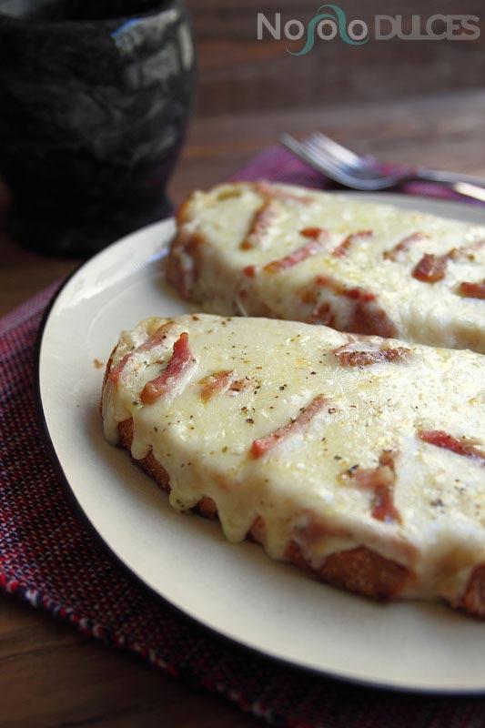 No solo dulces - Pan con ajo, queso y bacon