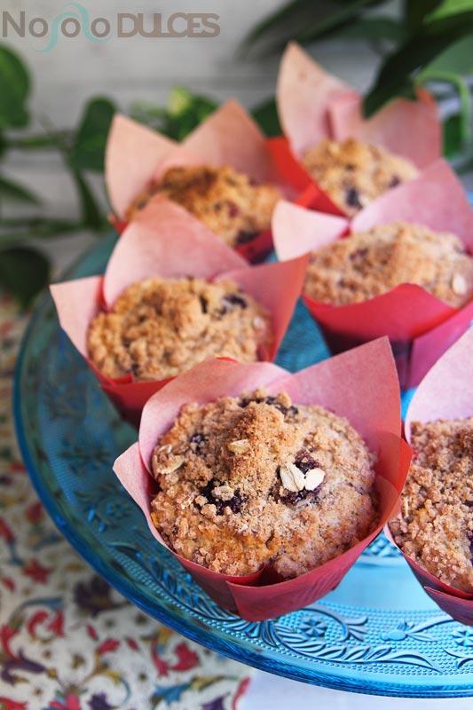 No solo dulces – Muffins integrales arándanos con crumble canela y avena