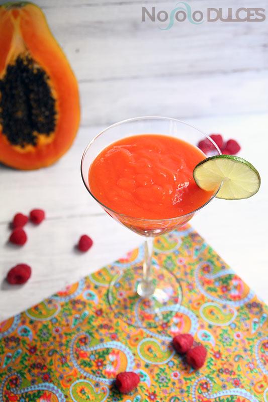 No solo dulces - Smoothie papaya frambuesa y lima