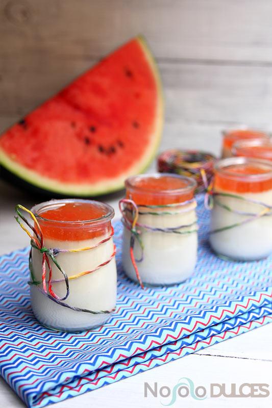 No solo dulces - Panna cotta de coco y vainilla con mermelada de sandía