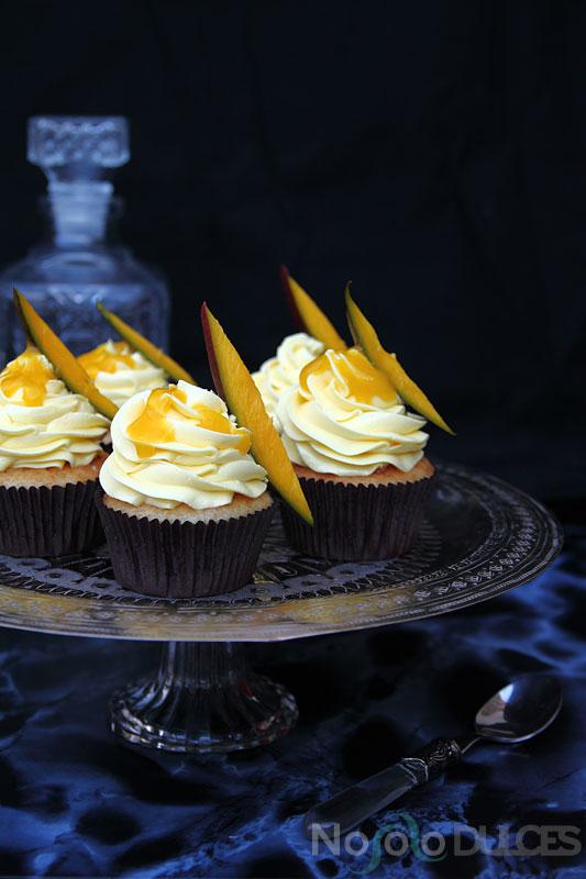 No solo dulces - Cupcakes de mango natural y vainilla