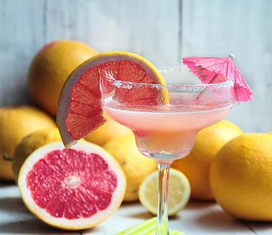 ¡Feliz cumpleaños! y receta de cóctel Margarita con pomelo rosa