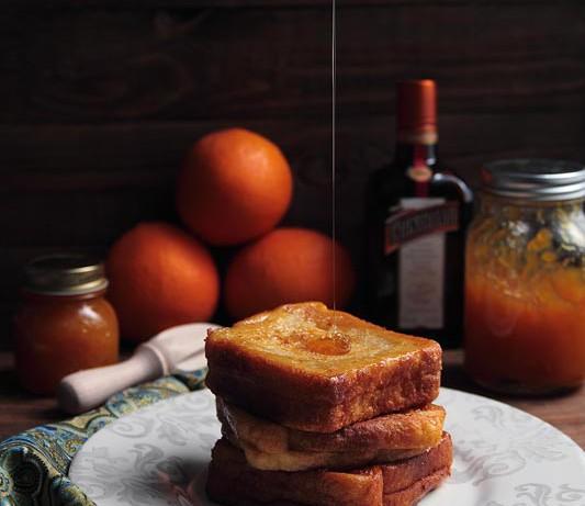 Torrijas de Cointreau rellenas de mermelada de naranja