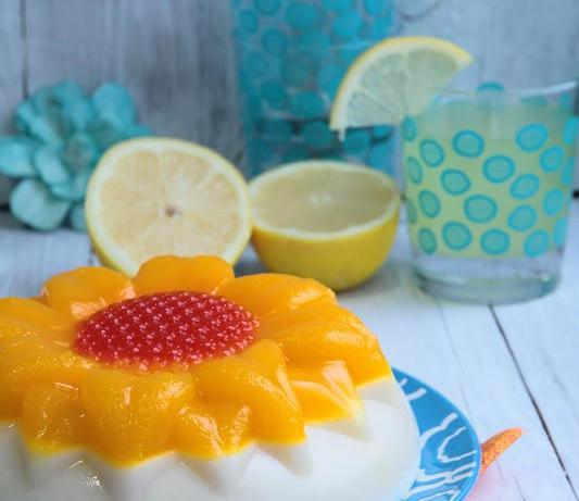 Tarta de gelatina de piña colada