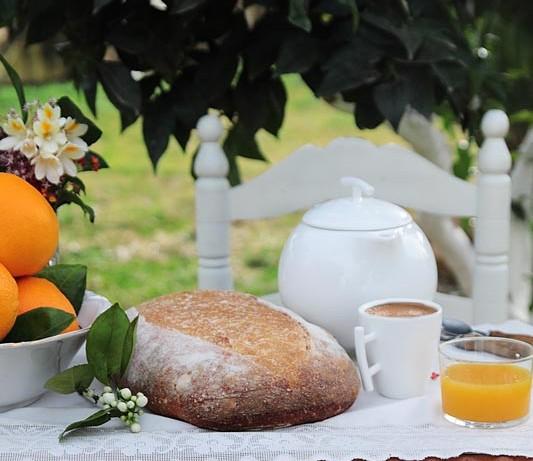 Pan integral de naranja para desayunos