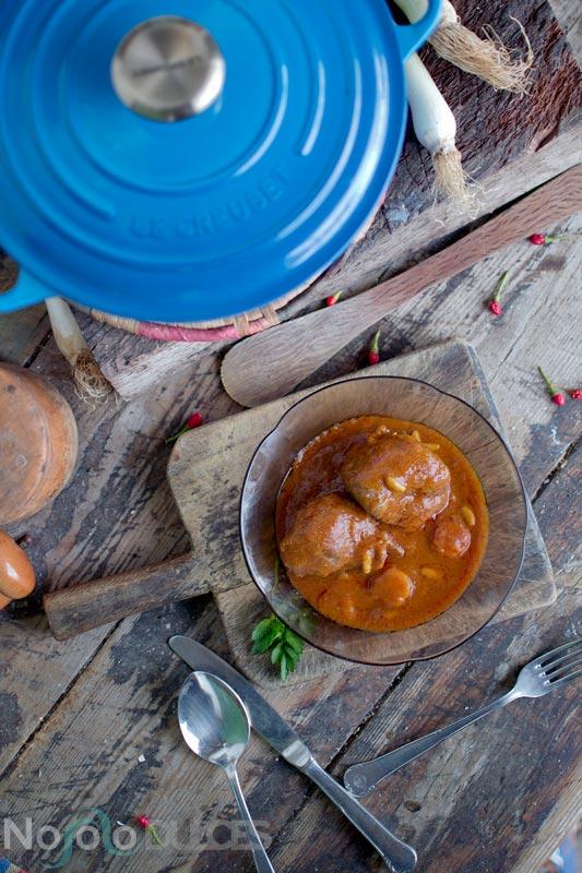 Carrilleras ibéricas de cerdo en salsa en cocotte