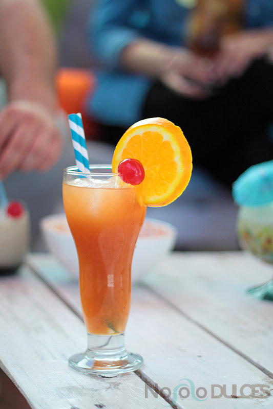 Receta de cinco cócteles imprescindibles para este verano. Sex on the beach, Té helado long island, ruso blanco, piña colada sin alcohol y gin tonic