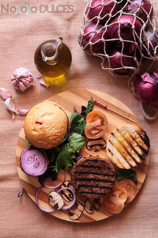 Hamburguesa vegana de soja y verduras