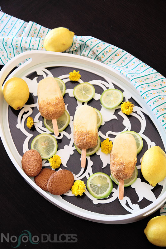 Polos helados de tarta de limón