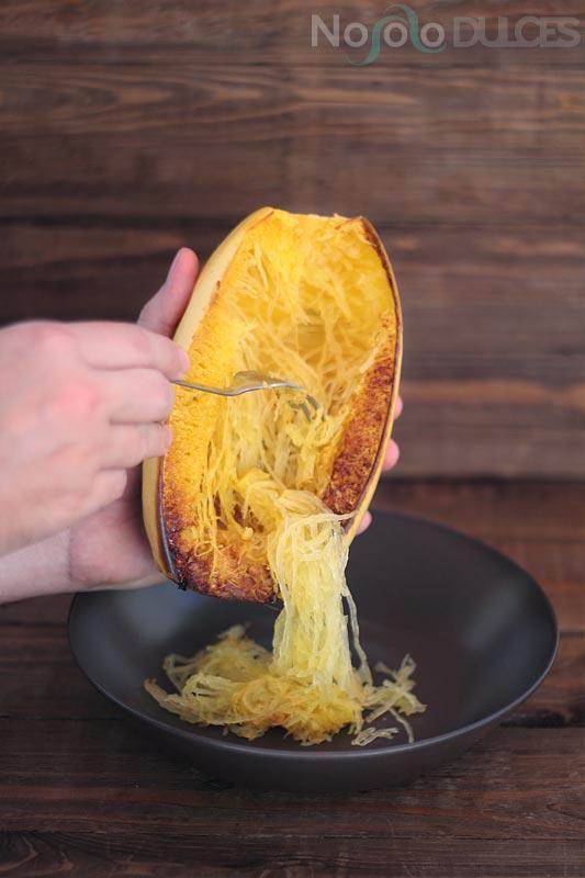 Espaguetis veganos de calabaza y boloñesa