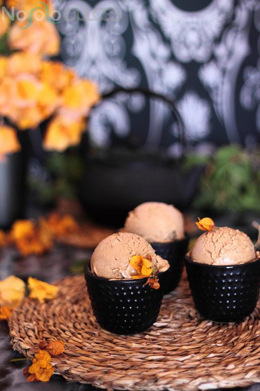 Receta de suave helado de regaliz ideal para acompañar postres o tomarlo solo