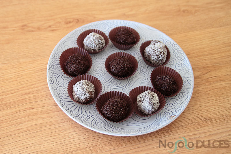 Videoreceta de trufas de chocolate fáciles con 3 ingredientes