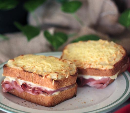 Croque monsieur con pan de molde casero